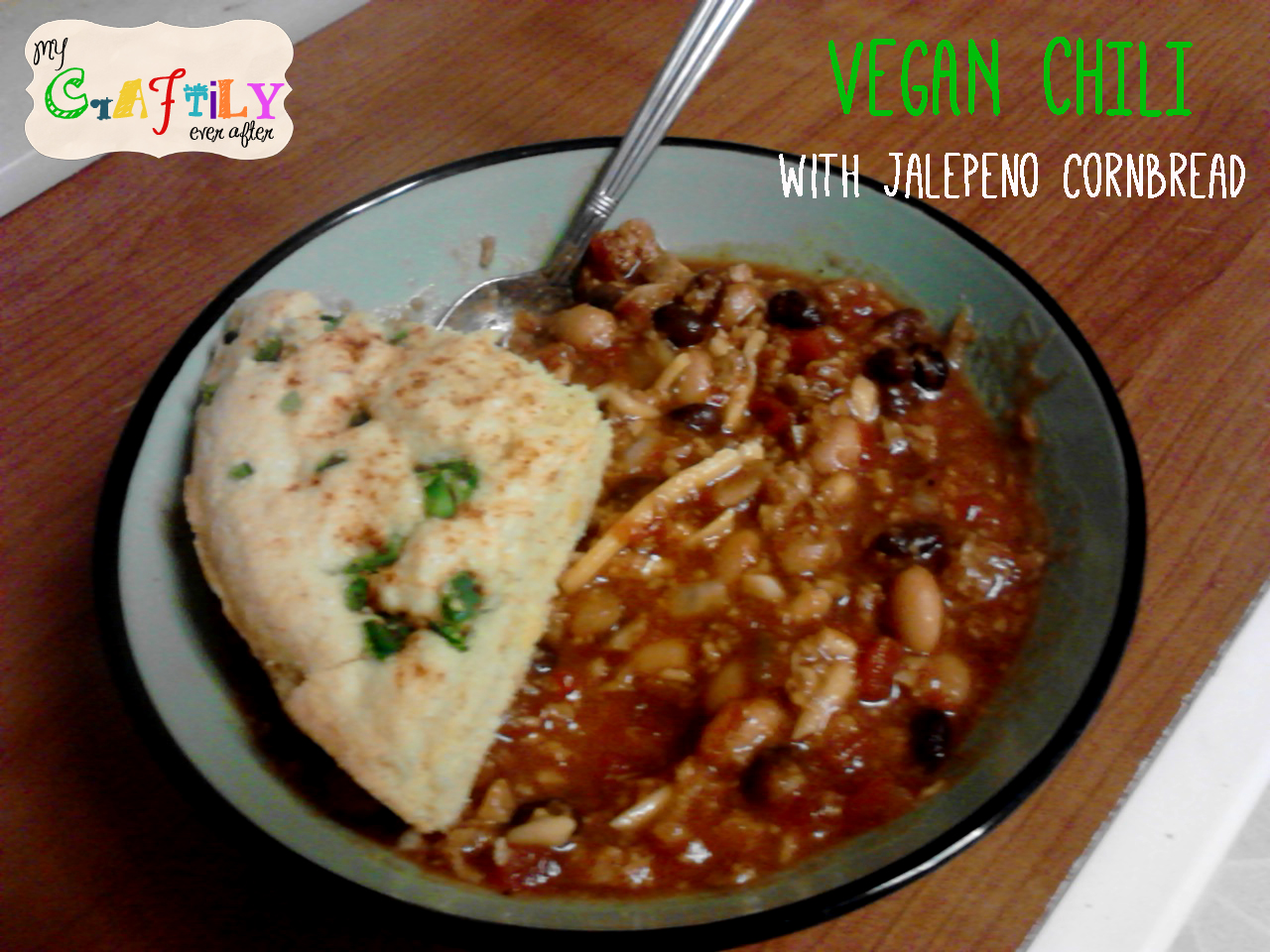 vegan chili with jalenpeno cornbread