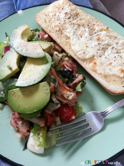 yummy cobb salad with garlic bread