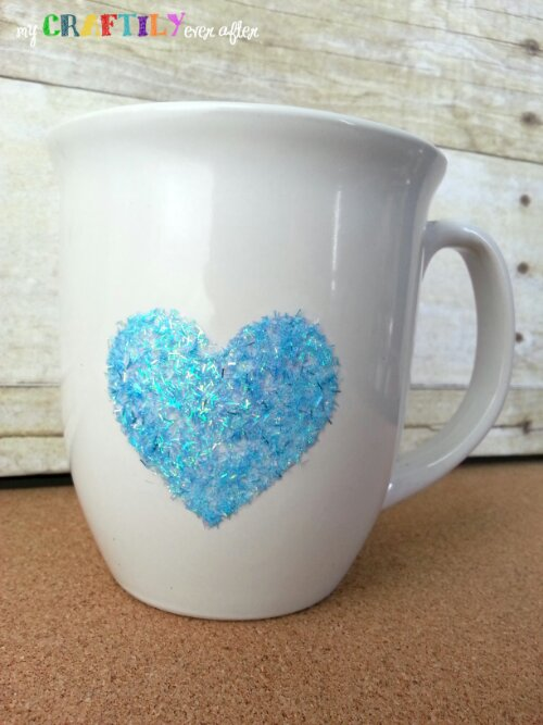 Personalized Glitter Coffee Mugs - Easy Gift Series #glitteratmichaels