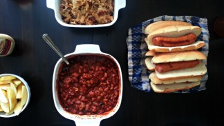 Create an #AmericanCraft sausage indoor bbq meal! Perfect for those ...