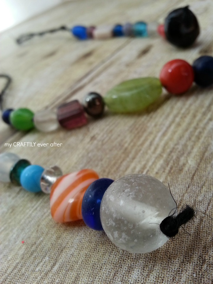 how to create simple bead ornaments for the holidays