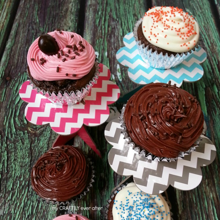 Two Ingredient #FinalFourPack Cupcakes