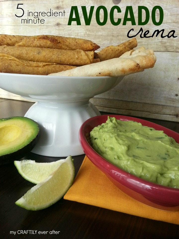 5 minutes and 5 ingredients for this AMAZING avocado crema