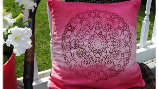 A Pillow to Dye For