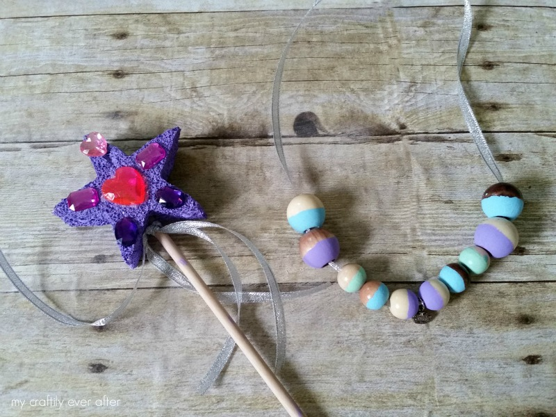princess party crafts wand and necklace