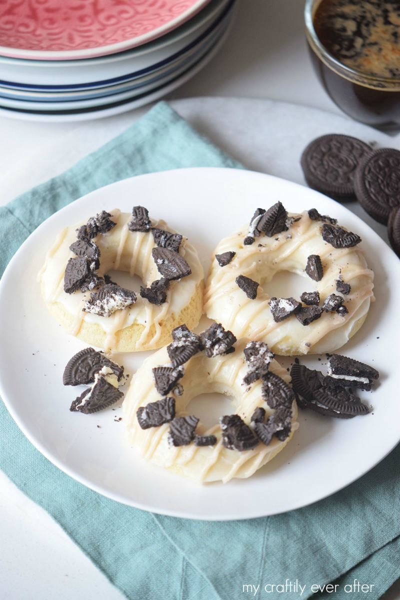 warm-and-delicious-cookies-and-cream-donuts
