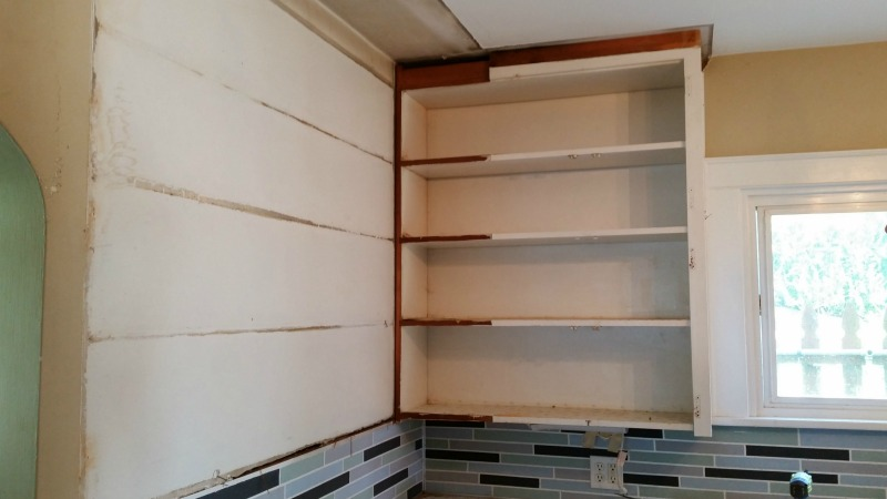removing-upper-cabinets