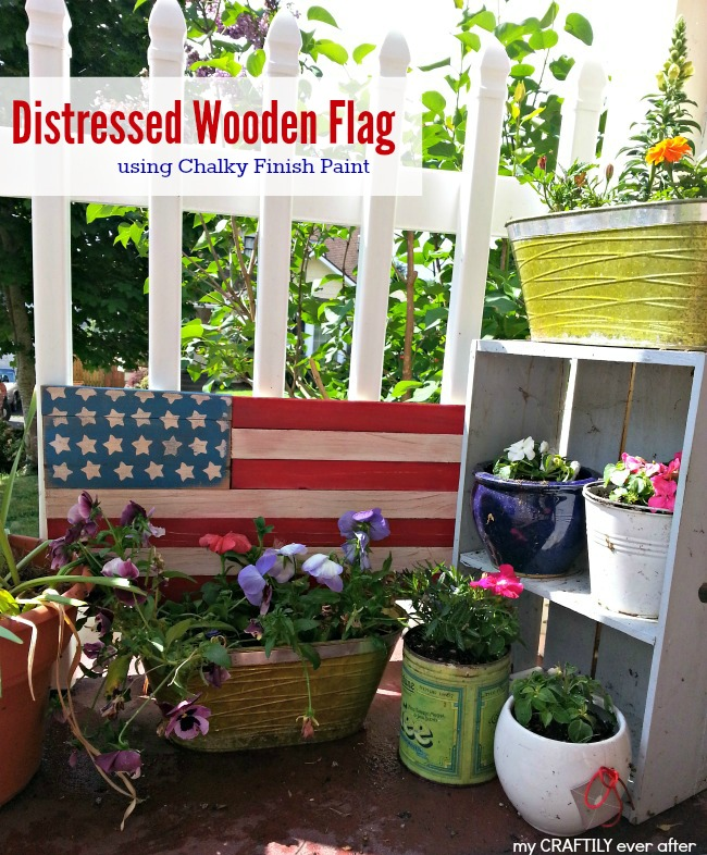 Distressed Wooden Flag Decor